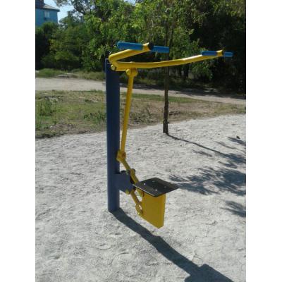 Верхняя тяга (одинарный) уличный тренажер RM-04